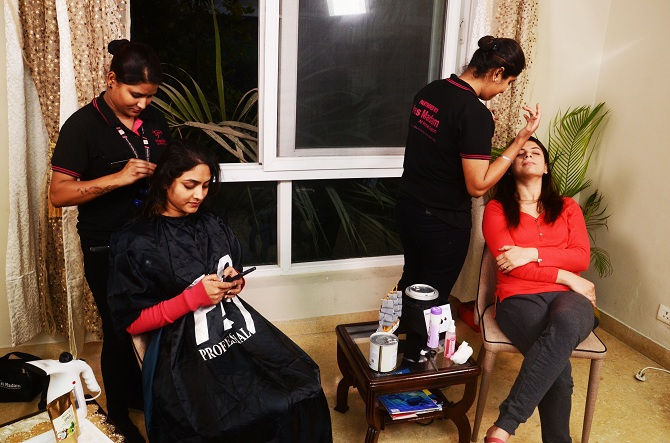 Home Salon Services by Yes Madam